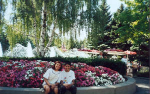 marg and alex at Canada's wonderland 2001.jpg